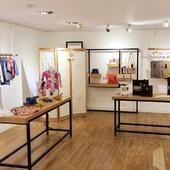 Ca y est ! Nous sommes ouverts 🙌🏽. Venez visiter notre boutique éphémère jusqu'à dimanche 30/05 de 10h à 19h au 35 Rue Debelleyme, Paris.